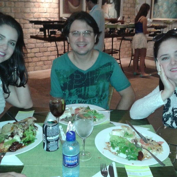 Foto tirada no(a) Limone Restaurante e Café por Sabrina G. em 7/12/2014