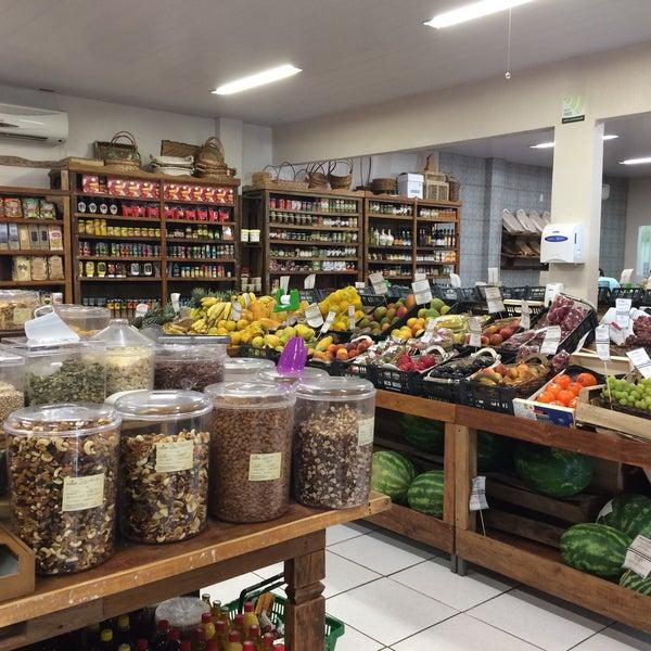 Photo taken at Empório Pomare by Valeria Soledad C. on 1/26/2017