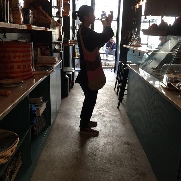 12/28/2015 tarihinde Basri H.ziyaretçi tarafından Manuel Deli & Coffee'de çekilen fotoğraf