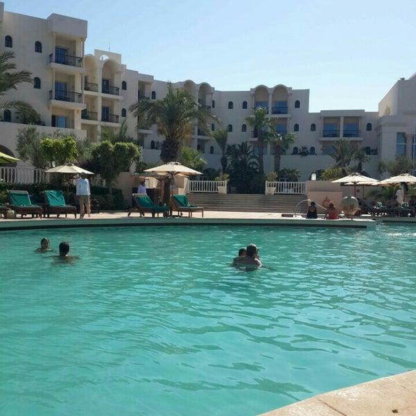 La piscine the residence for Residence piscine