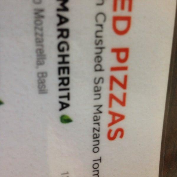 Foto scattata a Pizza CS da Barbara D. il 10/25/2014