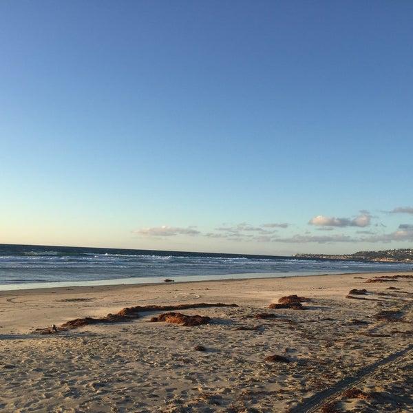 Foto tirada no(a) Mission Beach Park por Timothy C. em 11/10/2015