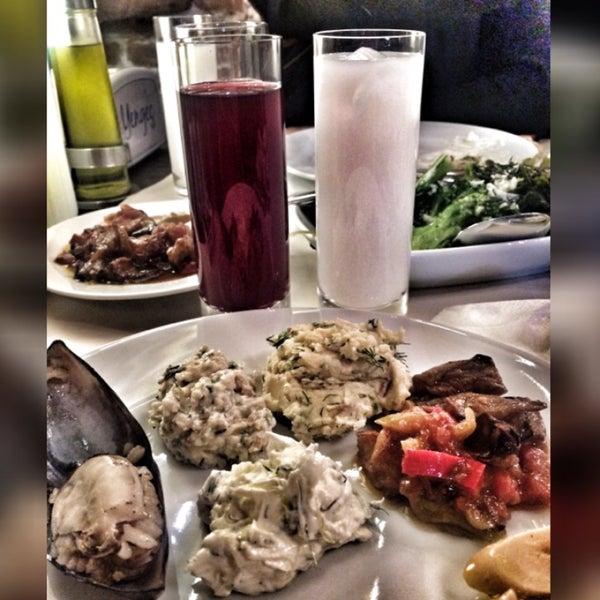 3/29/2015 tarihinde Merve D.ziyaretçi tarafından Yengeç Restaurant'de çekilen fotoğraf