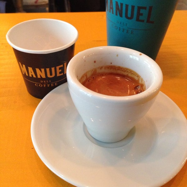 Şehrin en yeni kahve duraklarından biri. Cihangir'e güzel bir koku getirdiler. JAPANESE SIPHON tercihim 👍😃👌💯👏✌️👊☕️☕️☕️