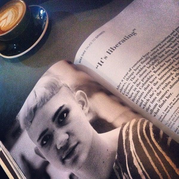 Снимок сделан в Bonanza Coffee пользователем Paul M. 1/2/2013