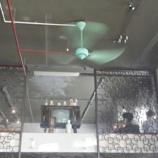 Photo taken at Lộc Vừng Café by Tiendat D. on 9/25/2014