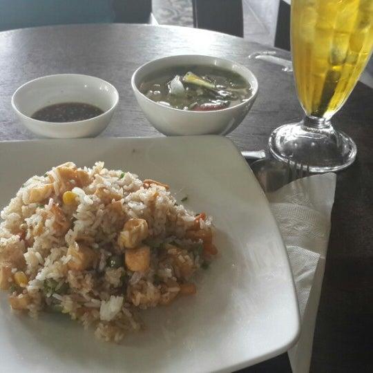Photo taken at Lộc Vừng Café by Tiendat D. on 2/26/2014
