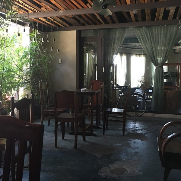 Photo taken at Lộc Vừng Café by Tiendat D. on 4/23/2016