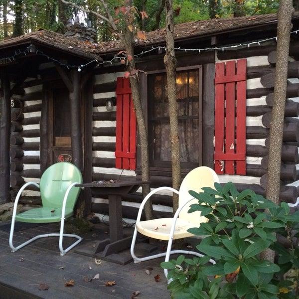Log Cabin Motor Court Motel