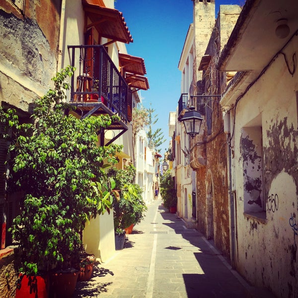 Where's Good? Holiday and vacation recommendations for Crete, Greece. What's good to see, when's good to go and how's best to get there.