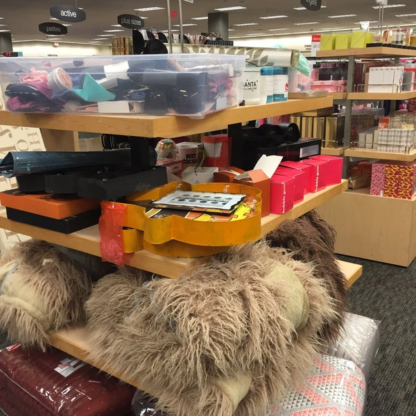 Photo Taken At Nordstrom Rack Fair Lakes Promenade By June E On 1 7