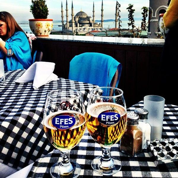 4/26/2013 tarihinde Marcos L.ziyaretçi tarafından Cozy Bar&Restaurant'de çekilen fotoğraf