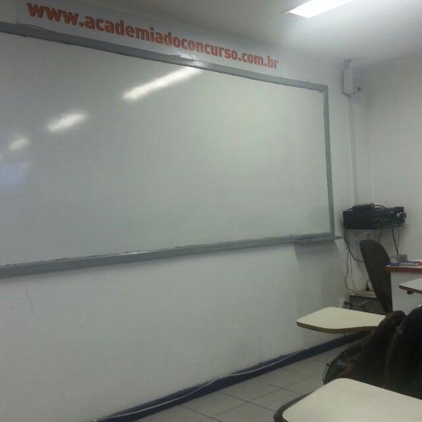 Foto tirada no(a) Academia do Concurso por Henrique Z. em 3/8/2014