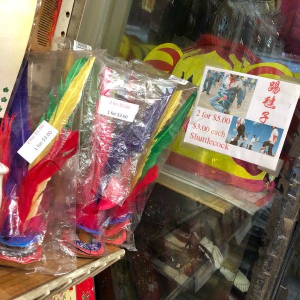 Das Foto wurde bei Dover Street Market von あおやまひろ am 2/12/2018 aufgenommen