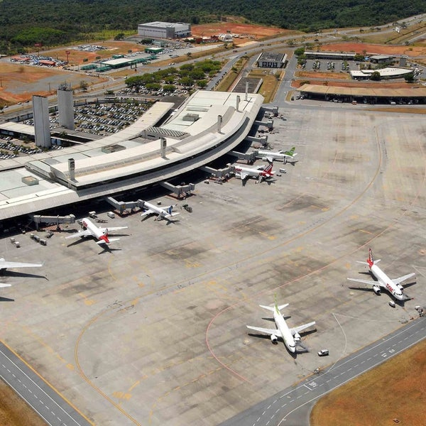 Aeroporto Tancredo Neves : Aeroporto internacional de confins tancredo neves cnf