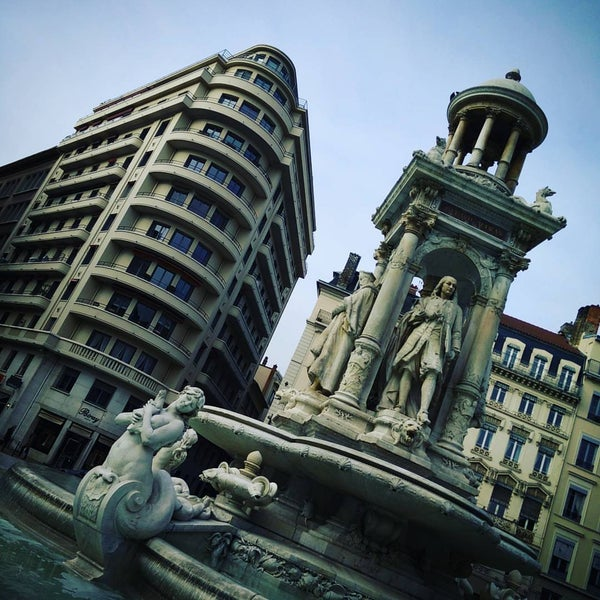 Caf Ef Bf Bd Place Des Jacobins Lyon