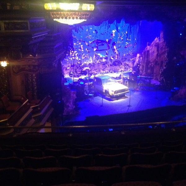 รูปภาพถ่ายที่ Belasco Theatre โดย Maureen K. เมื่อ 5/18/2014