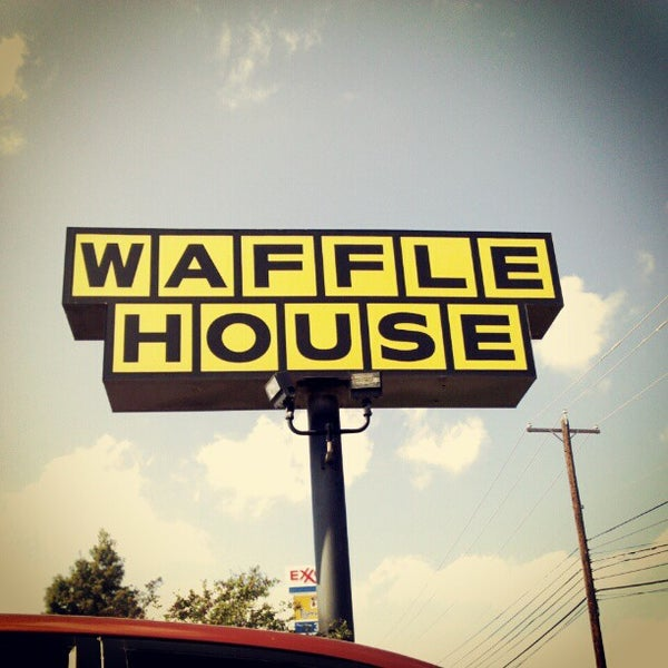 Photo taken at Waffle House by Darron D. on 10/21/2012