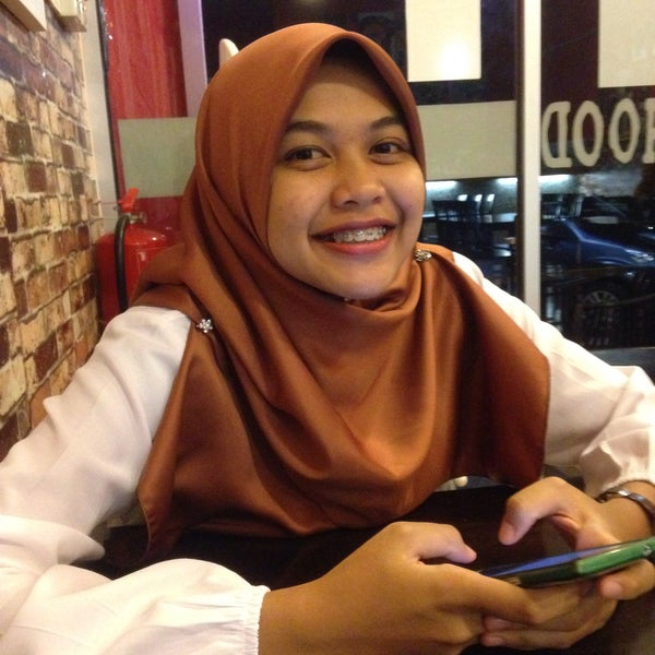 Photo taken at Brotherhood Western&Grill by Muhammad Ammar A. on 10/4/2015