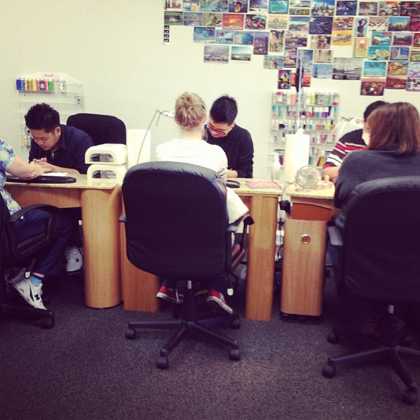 Luxury Nails - 805 W 14 Mile Rd