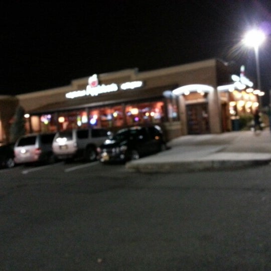 Photo taken at Applebee's Neighborhood Grill & Bar by Marcus H. on 12/1/2012