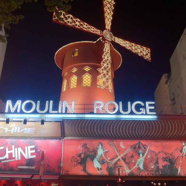 Photo taken at Moulin Rouge by Oscar Javier C. on 5/17/2013