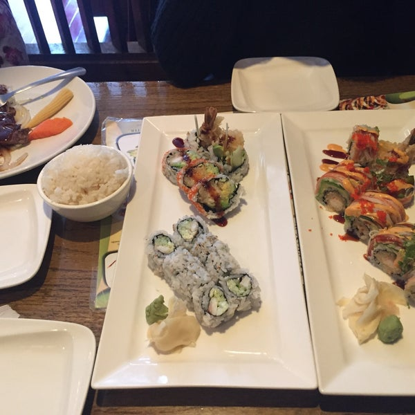 Photo taken at Tomo Japanese Cuisine by Ronald M. on 4/26/2016