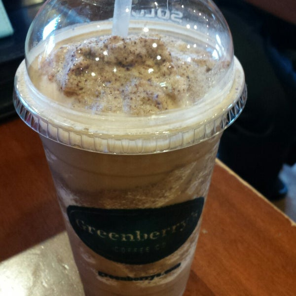 Photo taken at Greenberry's Coffee & Tea by Amanda D. on 10/29/2014