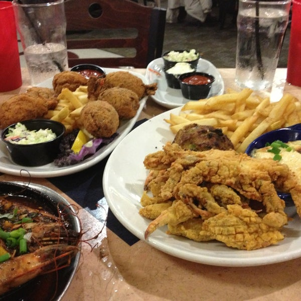 Photo taken at Deanie's Seafood by Sophie on 2/12/2013