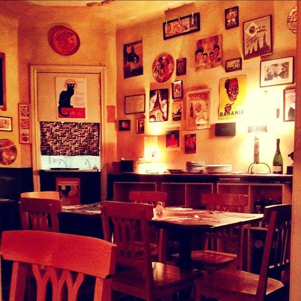 Foto tirada no(a) La Tartine Bistrot por Fred O. em 2/20/2013