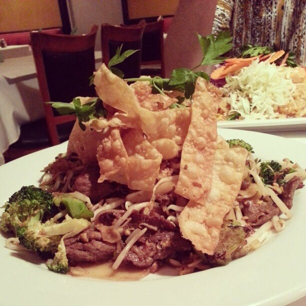 Table for two now closed thai restaurant in riverside for Angel thai cuisine riverside ca