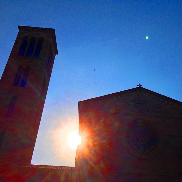 Photo taken at Iglesia Nuestra Señora De La Chiquinquira by Gustavo C. on 4/14/2013