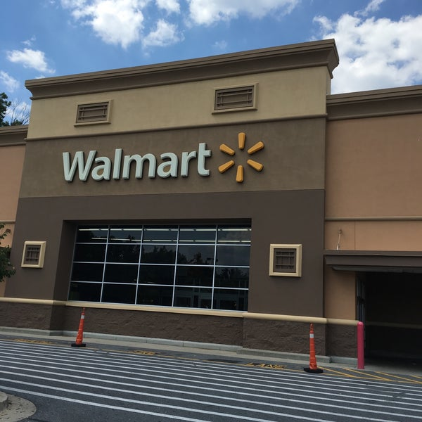 Photo taken at Walmart by Hamad A. on 7/21/2016