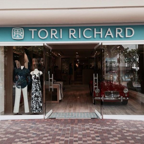 Waikiki clothing stores