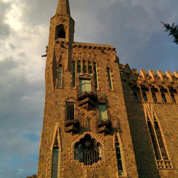 Foto tomada en Torre Bellesguard por Nacho L. el 6/26/2014