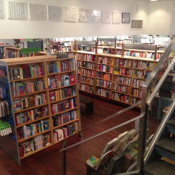 Photo taken at McNally Jackson Books by Felipe P. on 2/28/2013