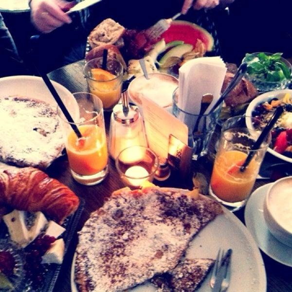 Das Foto wurde bei Café Maingold von Kardelen am 8/10/2014 aufgenommen