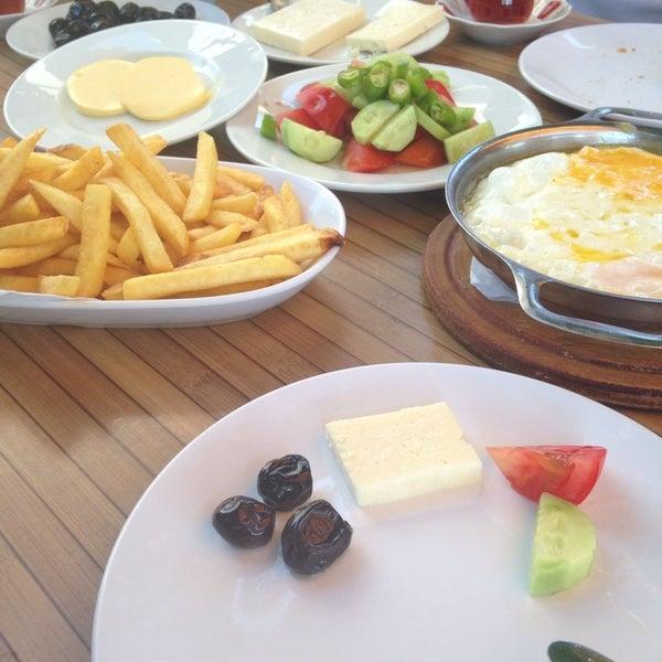 8/25/2014 tarihinde Zeynep K.ziyaretçi tarafından Problem'in Yeri'de çekilen fotoğraf