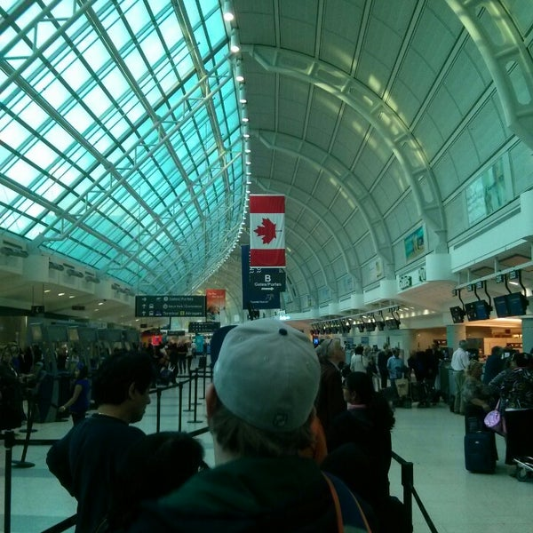 Toronto Pearson International Airport: Toronto Pearson International Airport (YYZ)