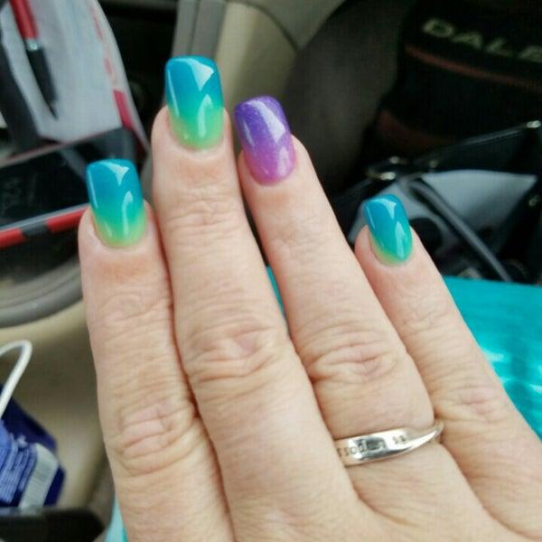 Walmart supercenter nail salon for Acrylic nails walmart salon