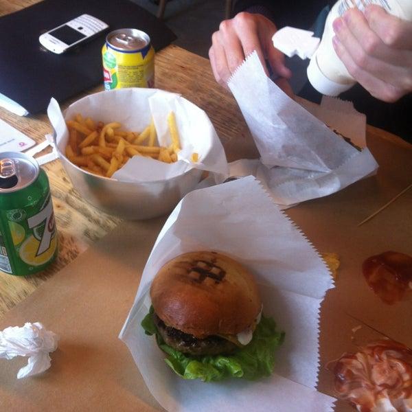 Photo taken at Biber Burger by Ilke Davut B. on 1/14/2013