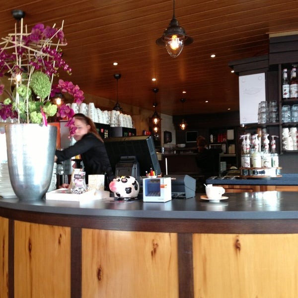 4/5/2013 tarihinde Roberto R.ziyaretçi tarafından Lunch-Café Le Provence'de çekilen fotoğraf