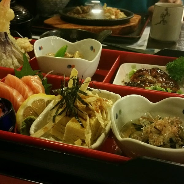 Photo taken at Hyotan Japanese Restaurant by Zhao Y. on 12/15/2016