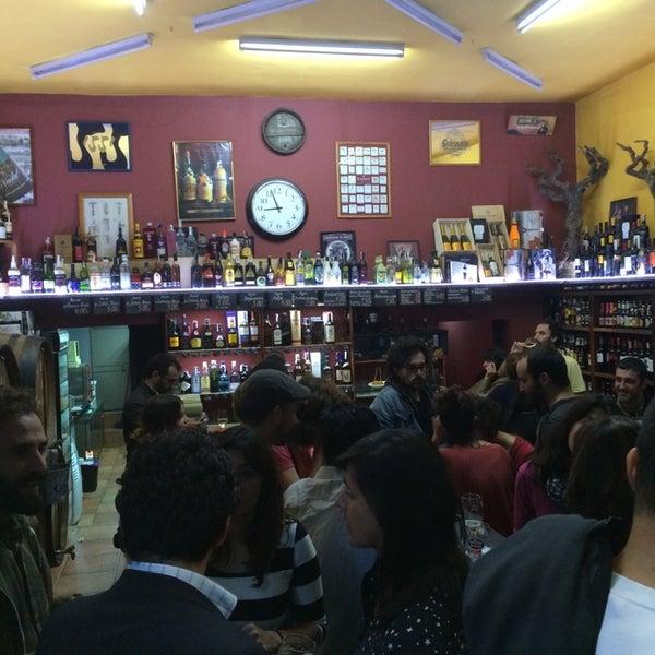 Foto tirada no(a) Bodega Vinito por Juan Carlos G. em 5/21/2014