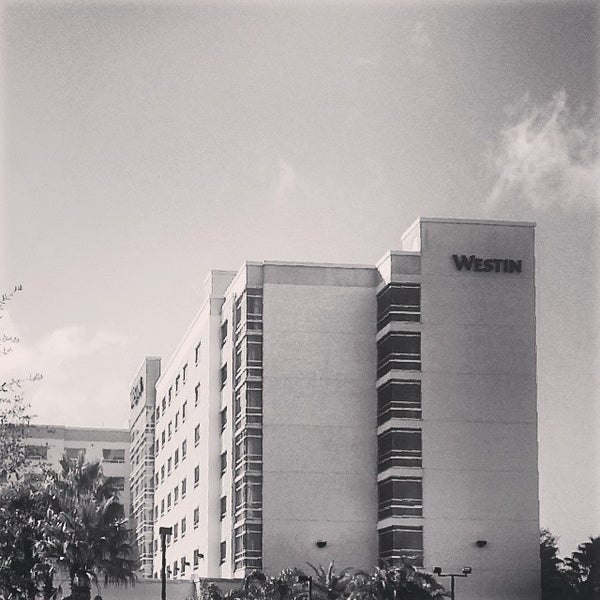 Photo taken at The Westin Lake Mary, Orlando North by Kristen A. on 2/4/2014