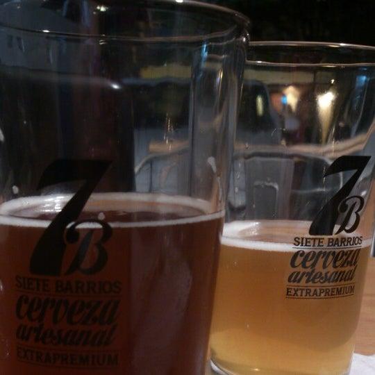 Foto tomada en Cervecería 7B por Ceci R. el 5/10/2014