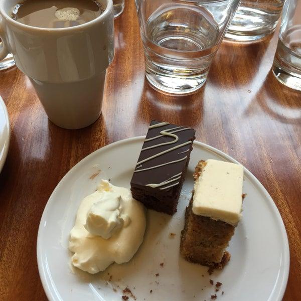 Das Foto wurde bei Deli Café Maya von Juha J. am 1/22/2017 aufgenommen