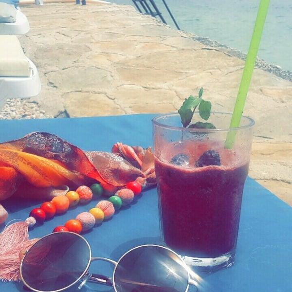 8/13/2017 tarihinde Emine K.ziyaretçi tarafından Olympos Mocamp Beach Club'de çekilen fotoğraf