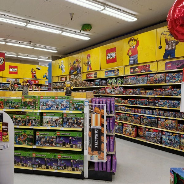 """Photos at Toys""""R""""Us - Paramus, NJ"""