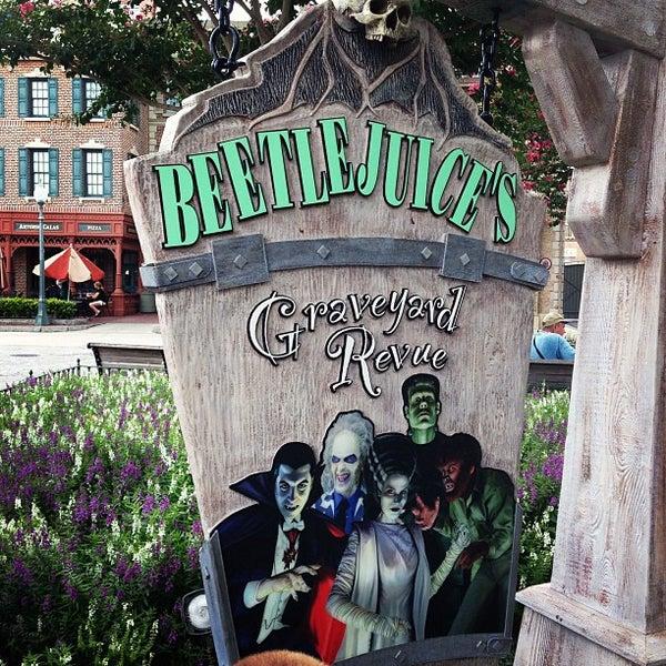 Photo taken at Beetlejuice's Graveyard MashUp by Sarah S. on 7/12/2013